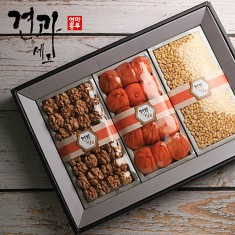 [마루영농]견과종합선물세트2호(곶감15입,호두200g,잣220g) 이미지